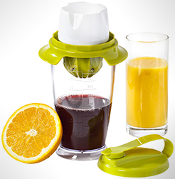Squeezer 3-In-1 Juicer And Mixer thumbnail